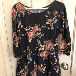 Dresses & Skirts - Floral dress size medium
